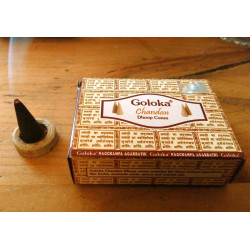 БЛАГОВОНИЕ БЕЗОСНОВНОЕ Голока Сандал Дхуп конусы, Goloka Chandan Dhoop Cones (10/УП) аромат Сандала