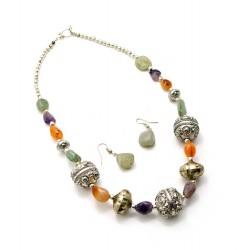 Ожерелье с камнями серьги