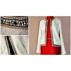 Молочно-белый котоновый стеганый утепленный пиджак с украшением, натуральный хлопок