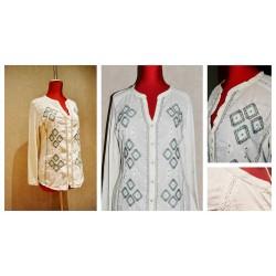 Блуза с длинным рукавом с вышитым орнаментом 100% хлопок. Размер S,M