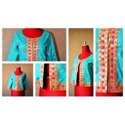 Весенне-радостный котоновый пиджак на подкладке, 100% натуральная ткань. Рукава 3/4. Застегивается на петельки.