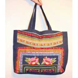 Индийская сумка из очень плотного котона, идеальна для покупок тяжелого веса. Очень плотная, ноская ткань.