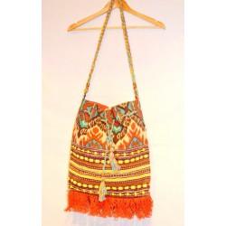 Индийская котоновая сумка ручной работы, оранжевая. Длинная шлейка через плечо, с колокольчиками. Очень вместительная.