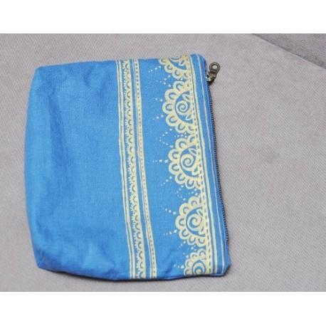 Косметичка ручной работы, ткань - шелк + джинс, с рисунком
