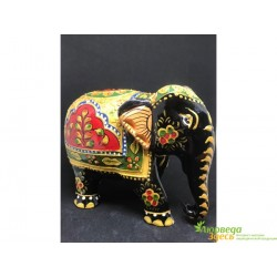 Слоник деревянный расписной с золотом, покрытый эмалью